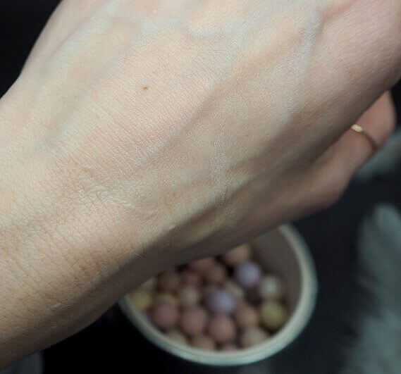Meteoryty Guerlain CLAIR swatch