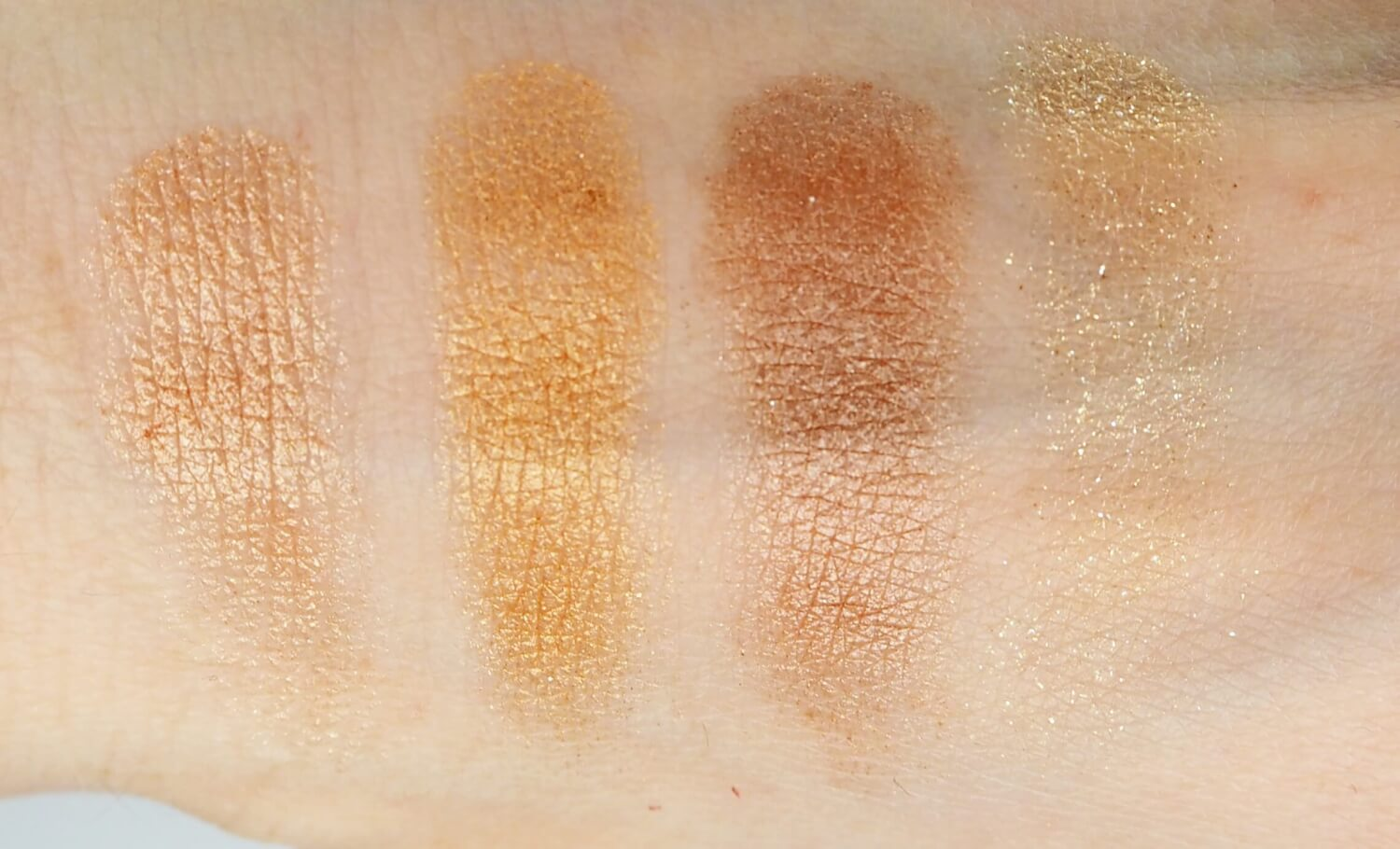 Swatch Charlotte Tilbury The Legendary Muse