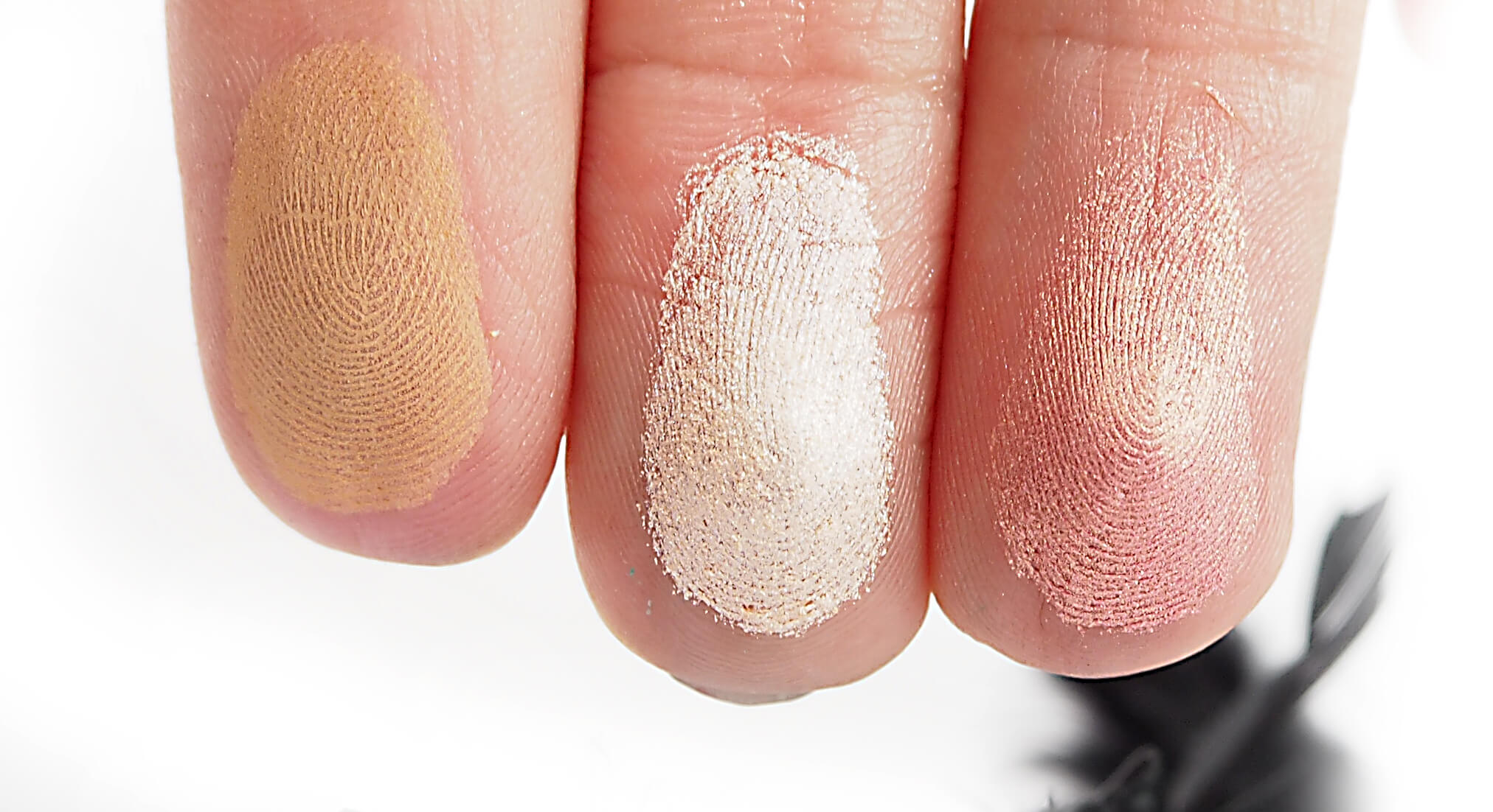 Swatches WIBO 3 STEPS TO PERFECT FACE LIGHT