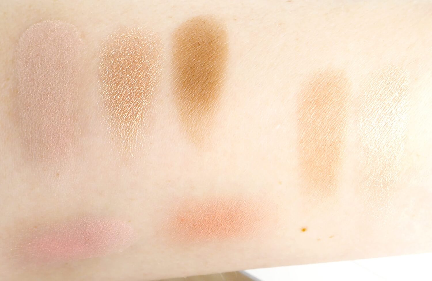 SWATCHE Instant Look in A Palette, Natural Beauty