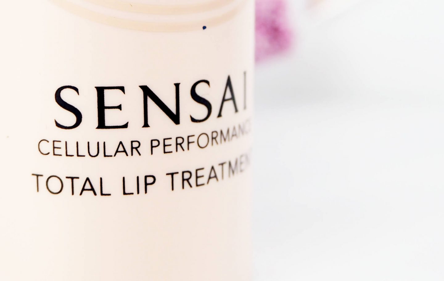 Balsam do just SENSAI Total Lip Treatment