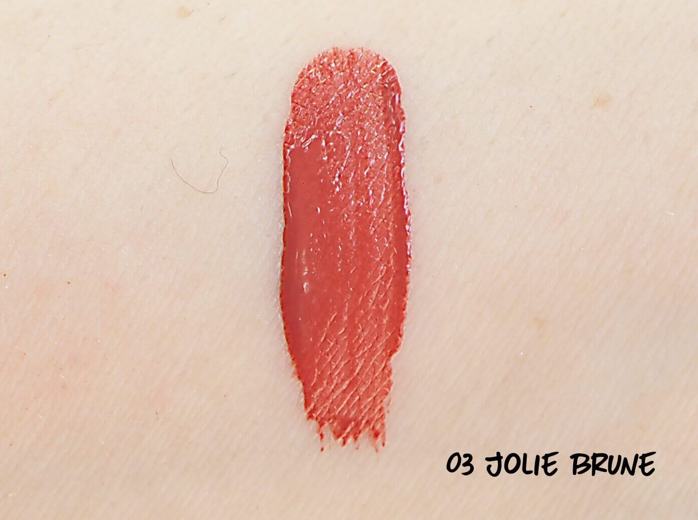 SWATCH 03 JOLIE BRUNE ROUGE LAQUE