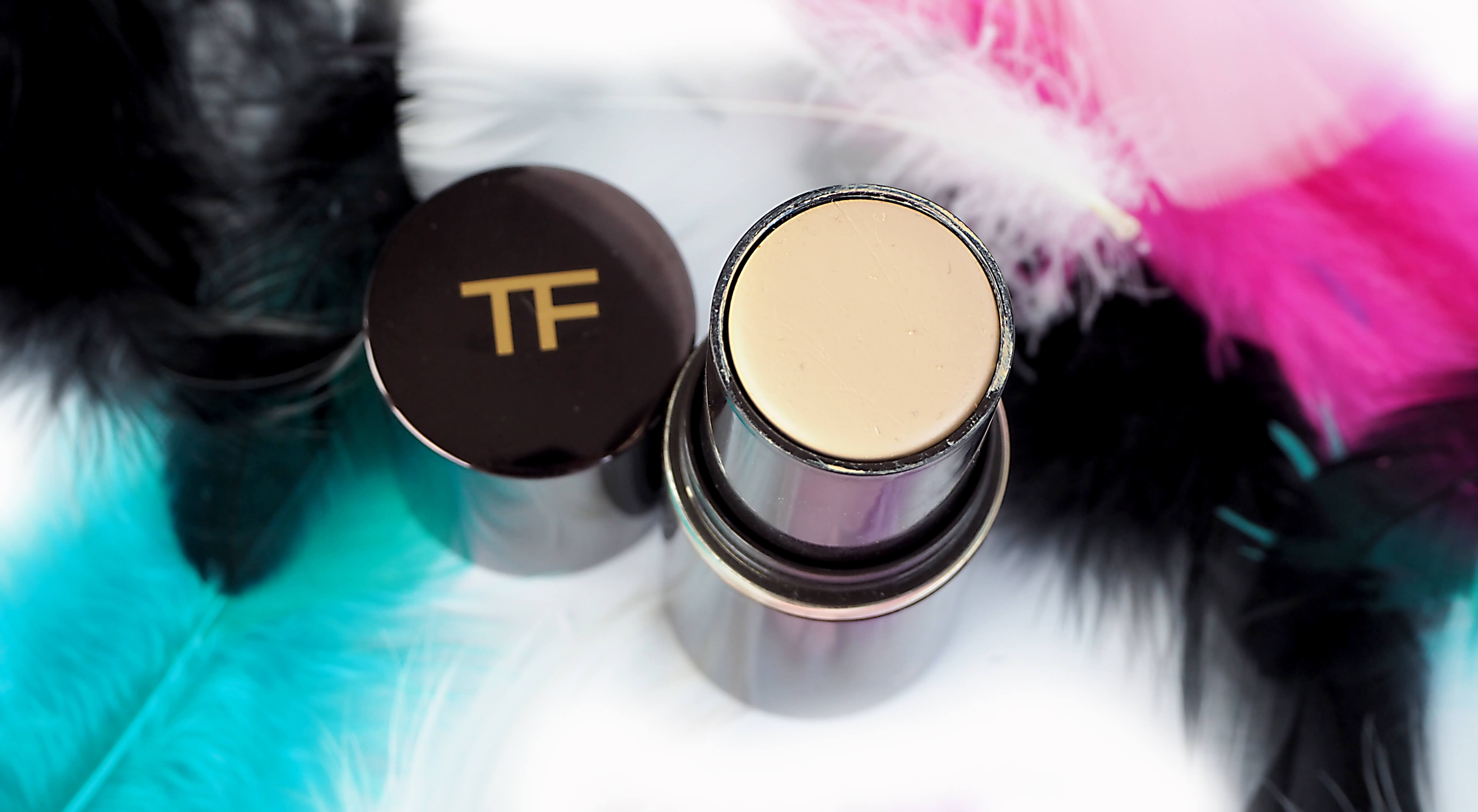 OPINIA TOM FORD TRACELESS FOUNDATION STICK