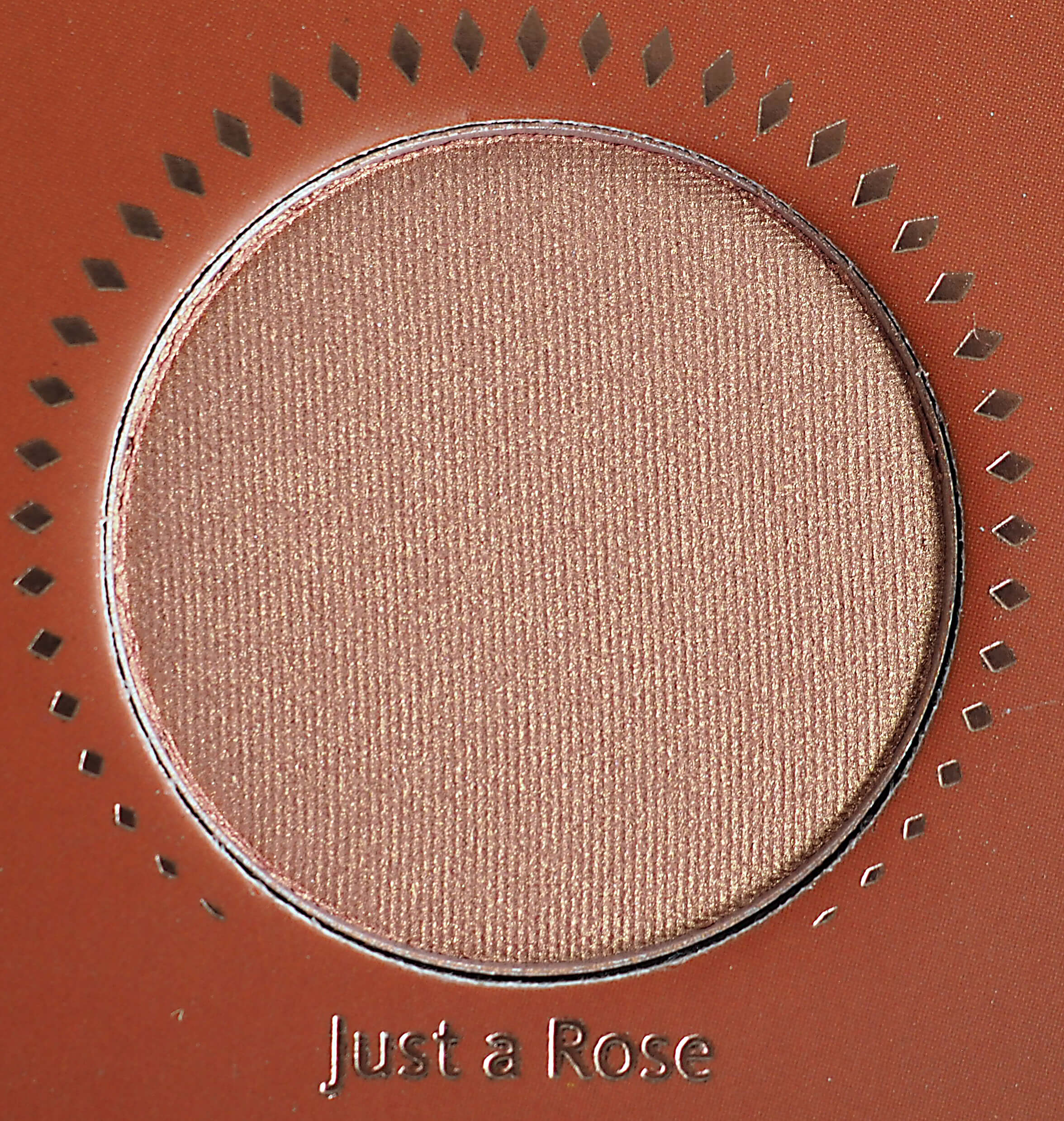JUST A ROSE GOLDEN EYESHADOW PALETTE