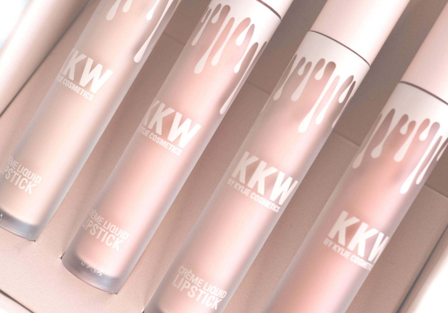 Test KKW by KYLIE COSMETICS Crème Liquid Lipstick