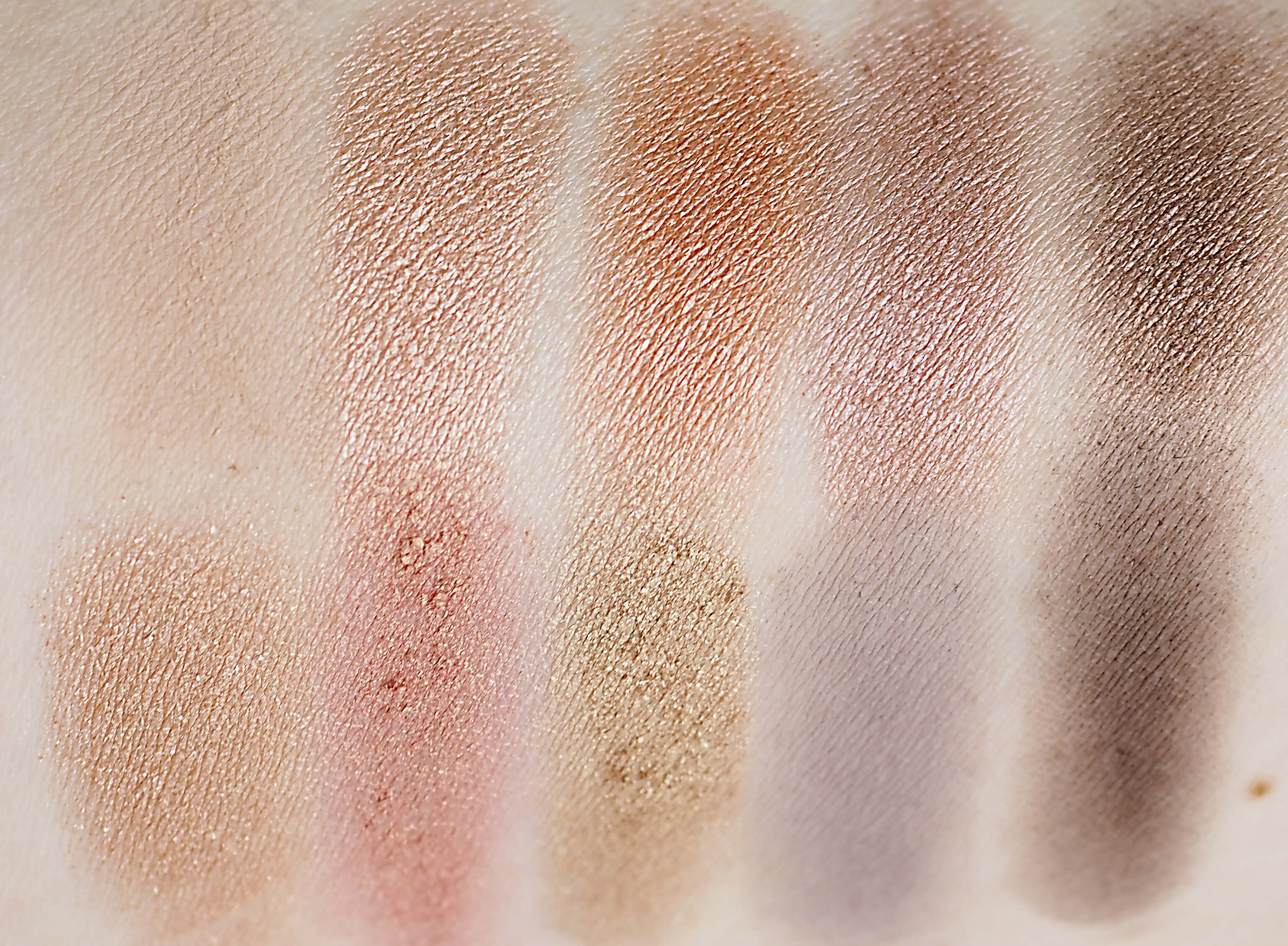 Swatches ZOEVA GOLDEN EYESHADOW PALETTE