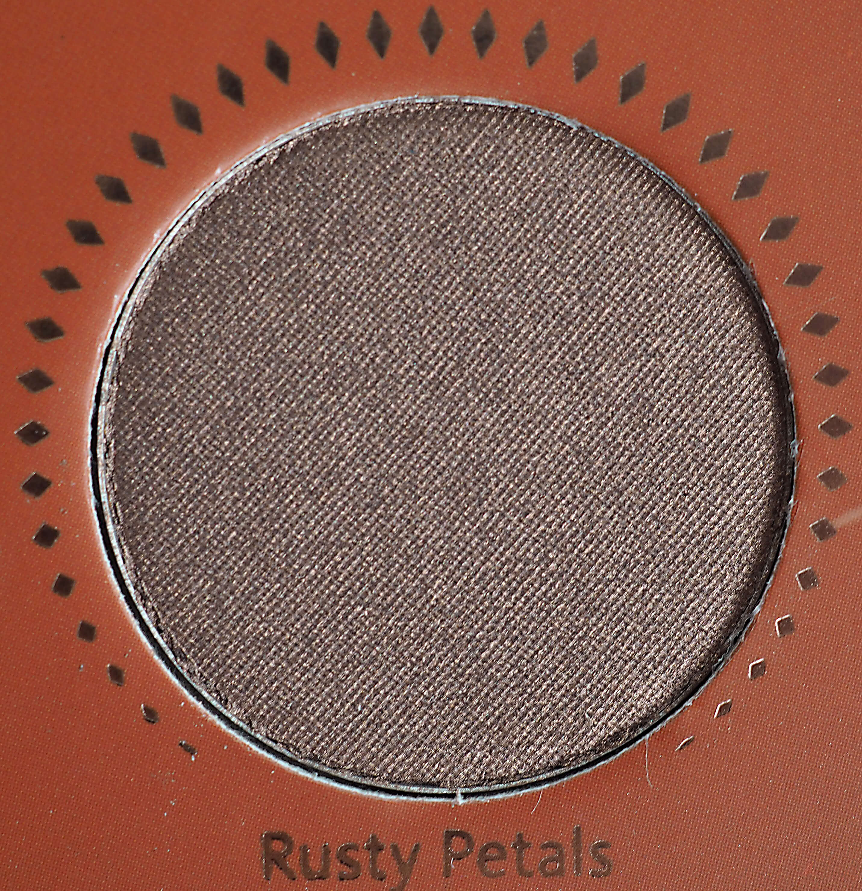 RUSTY PETALS GOLDEN EYESHADOW PALETTE