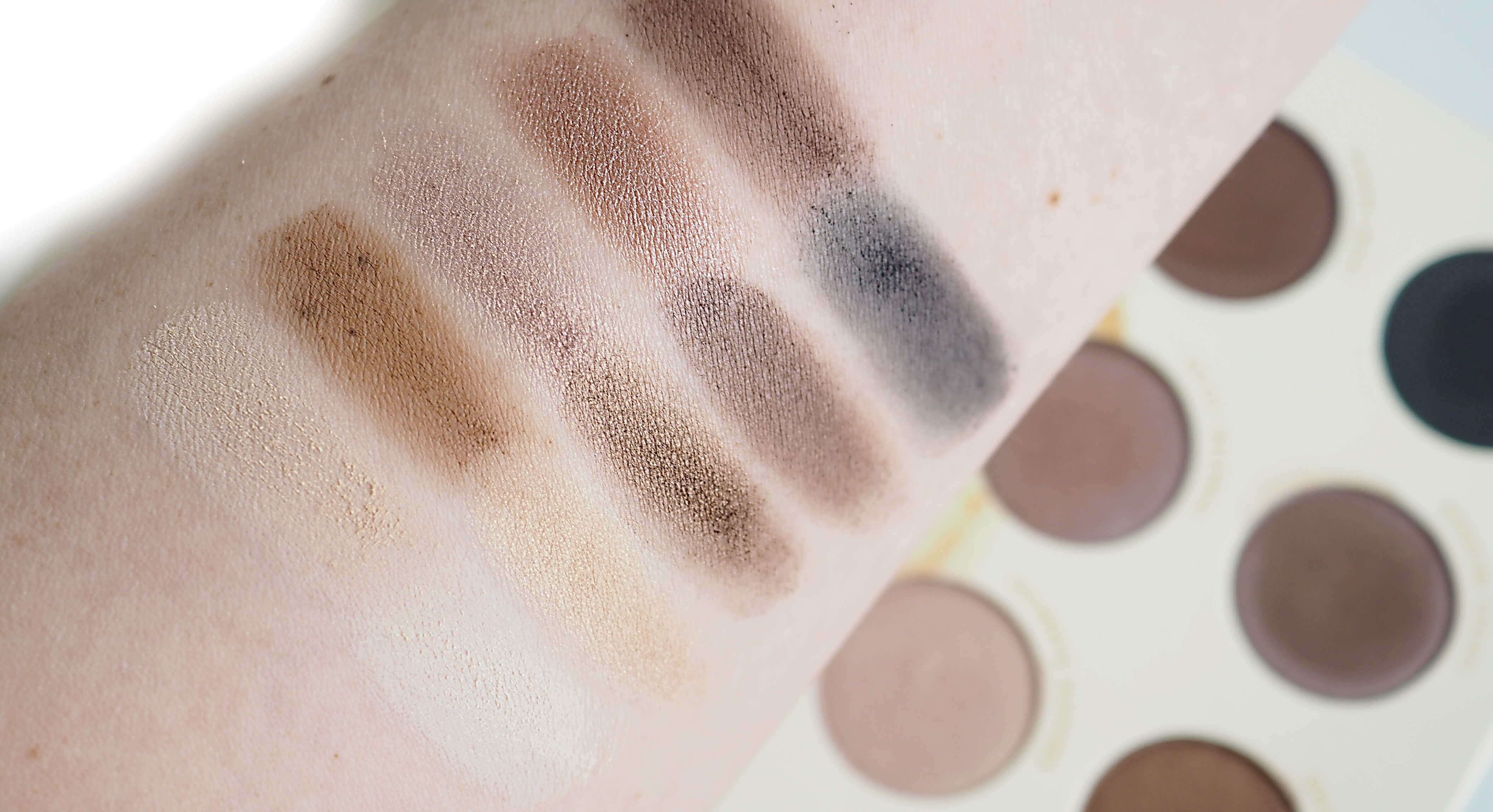 Swatches ZOEVA NATURALLY YOURS