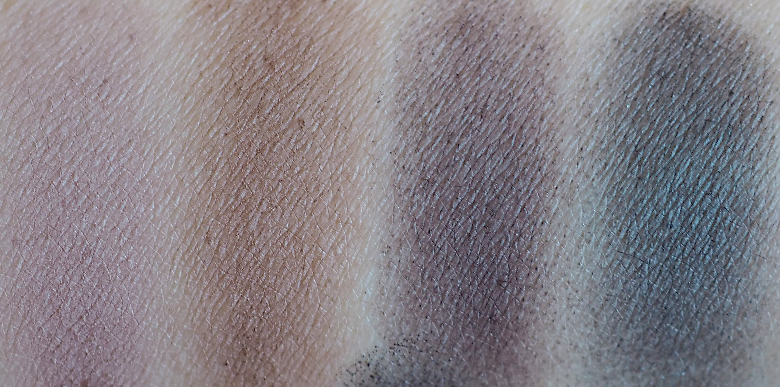 Swatches MAKEUP REVOLUTION ICONIC PRO 1