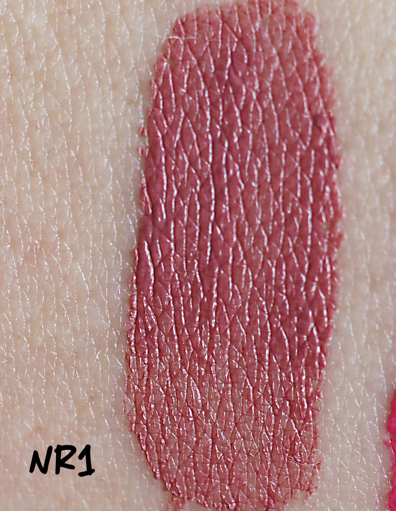 Swatch Nr 1 MILLION DOLLAR LIPS