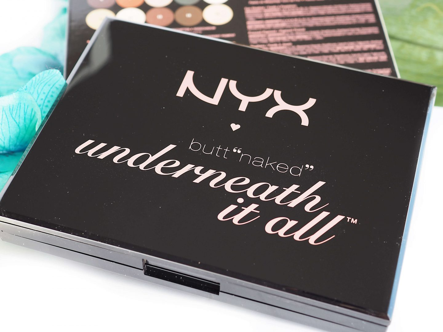 Recenzja NYX BUTT NAKED UNDERNEATH IT ALL