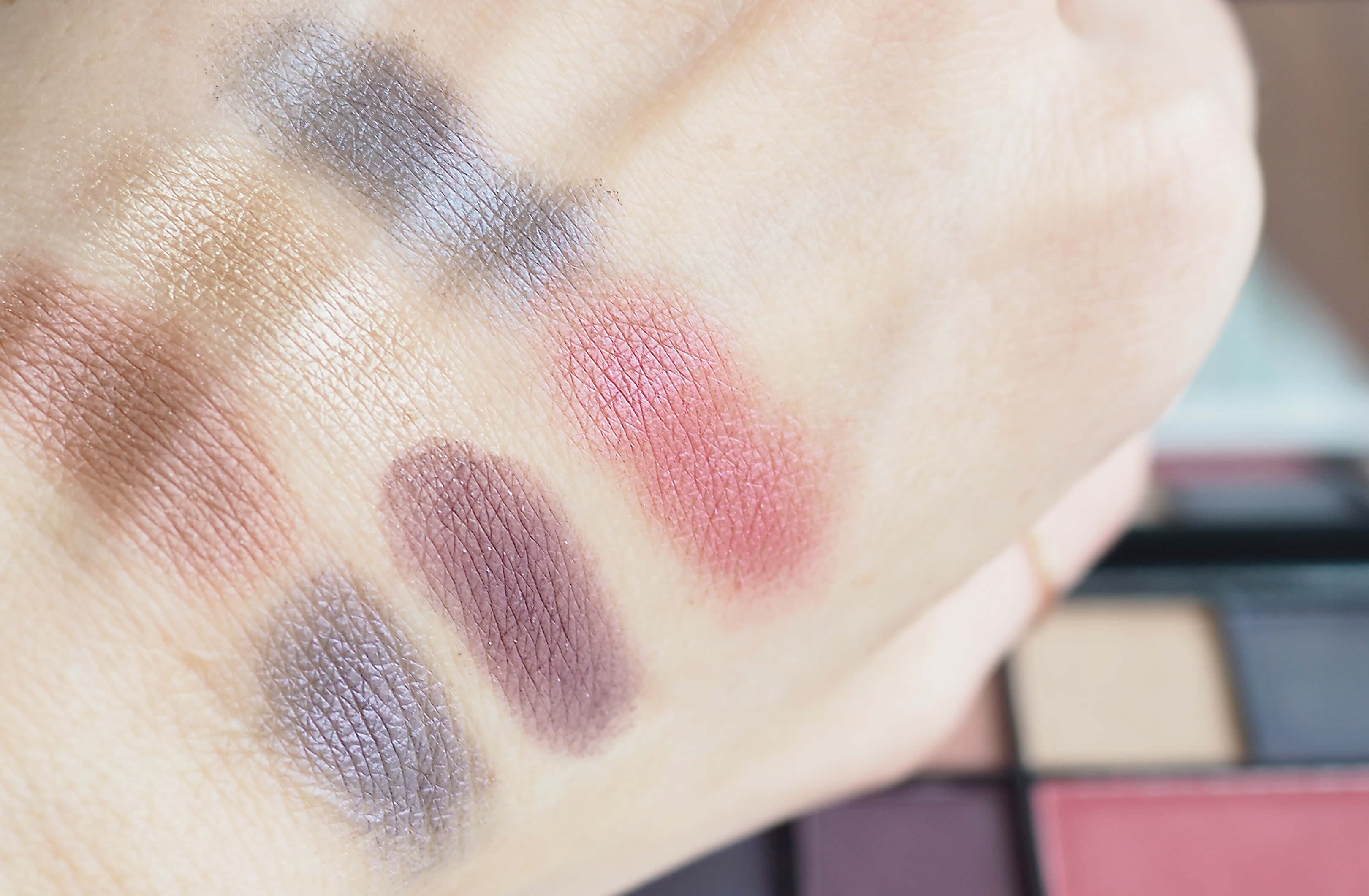 swatches SLEEK EYE & CHEEK PALETTE See You At Midnigh