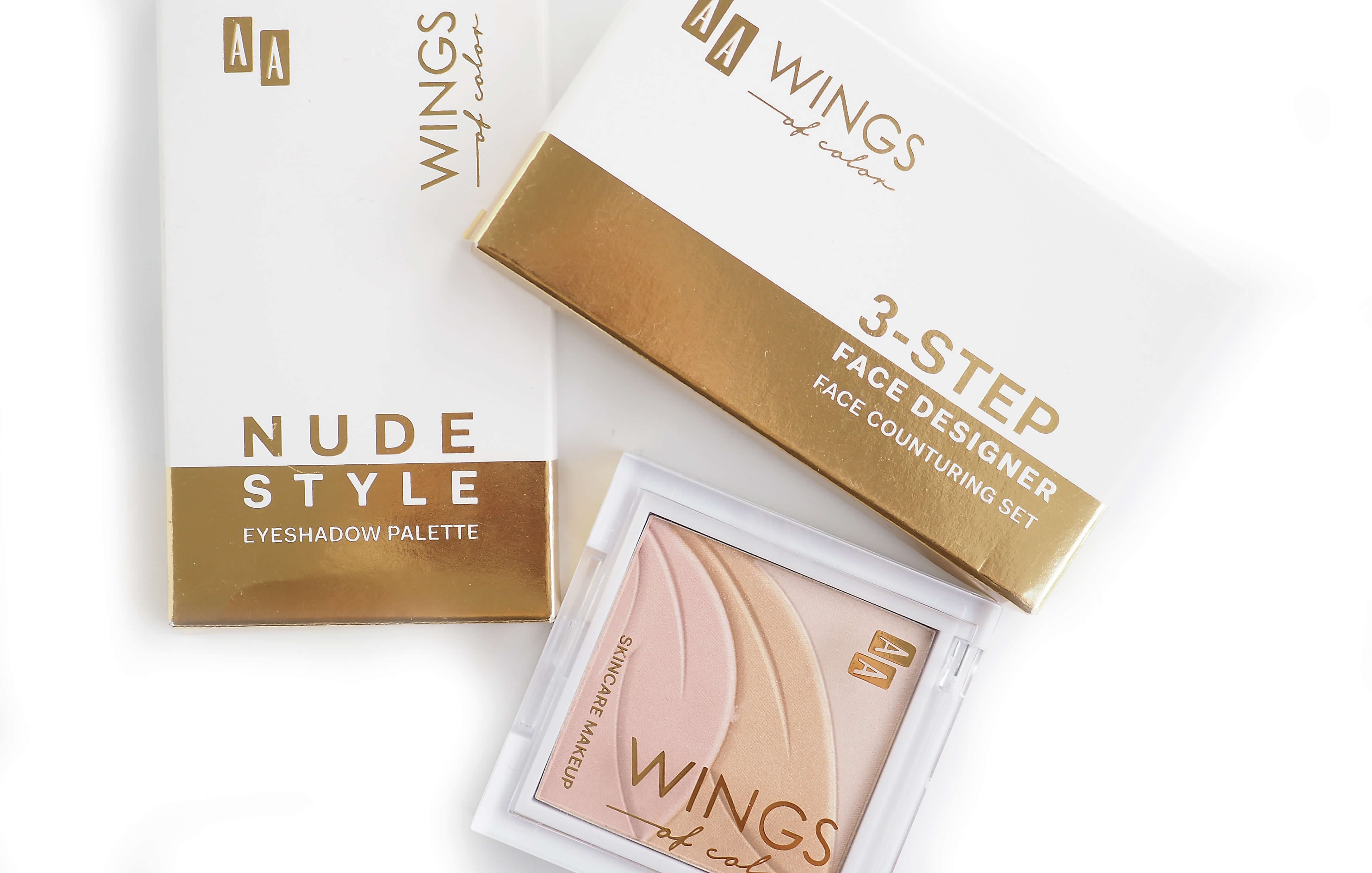 AA WINGS OF COLOR MAKE UP