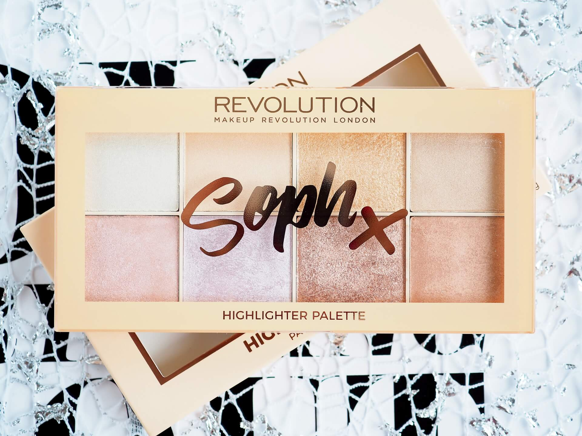 SOPH X MAKEUP REVOLUTION HIGHLIGHTER PALETTE