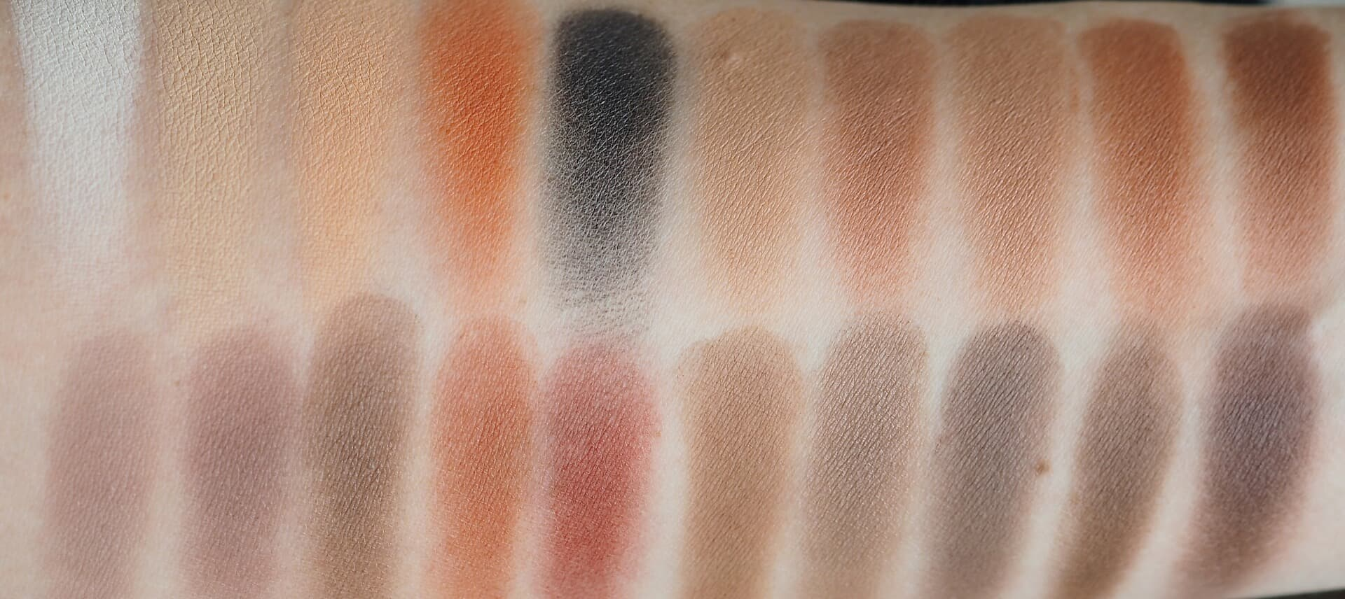 SWATCHES VIOLET VOSS MATTE ABOUT YOU