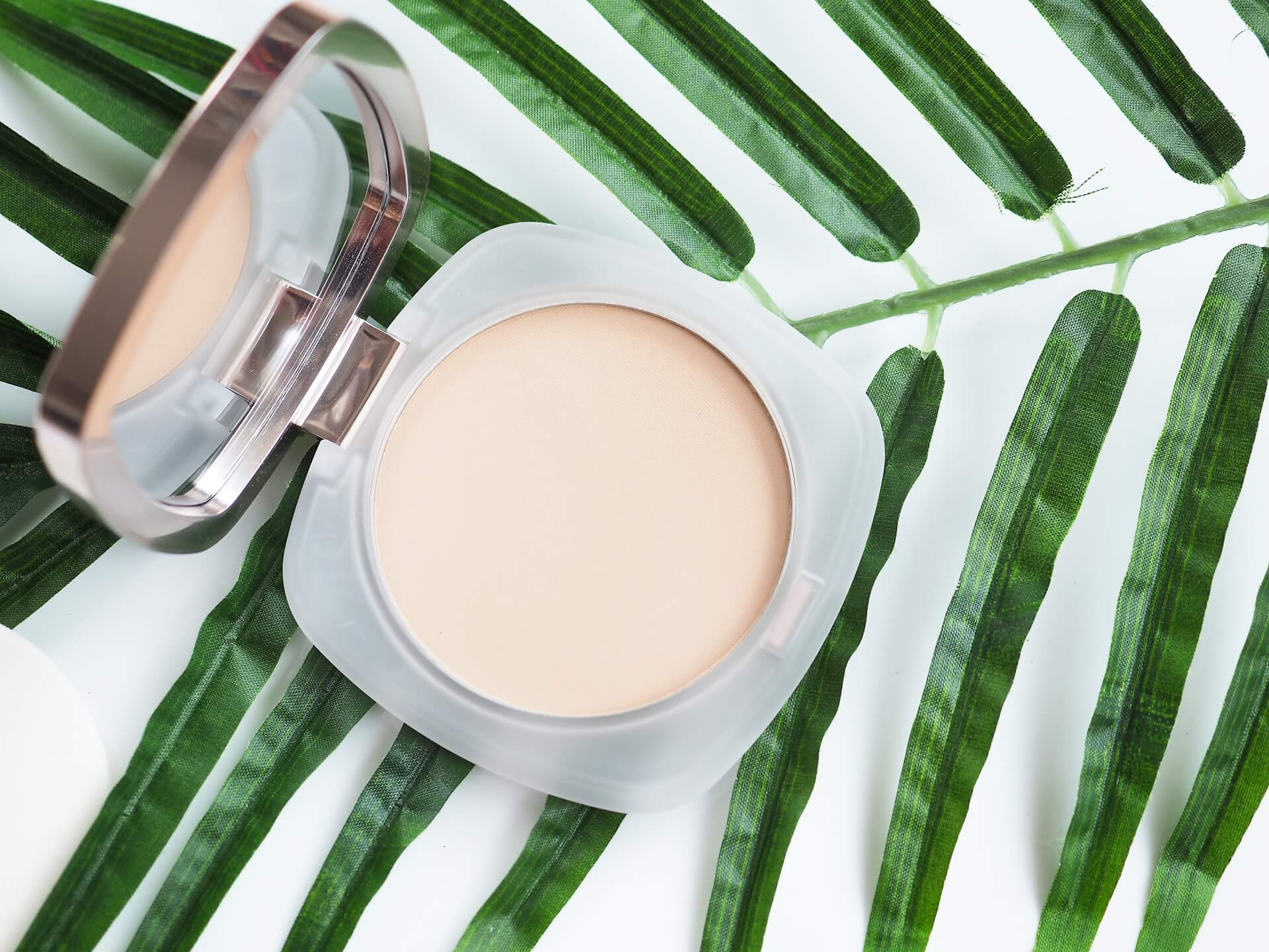 La Mer The Sheer Pressed Powder