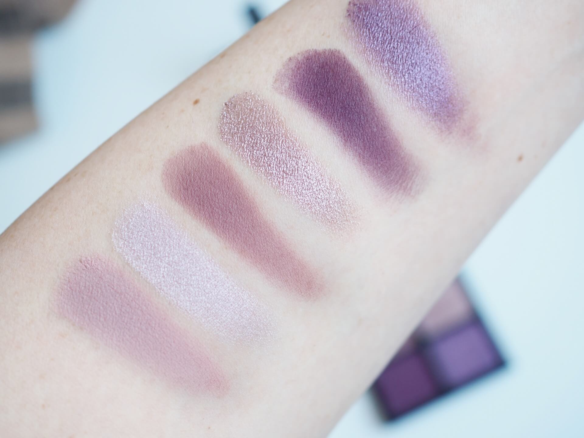 swatches Viseart Theory IV Amethyst