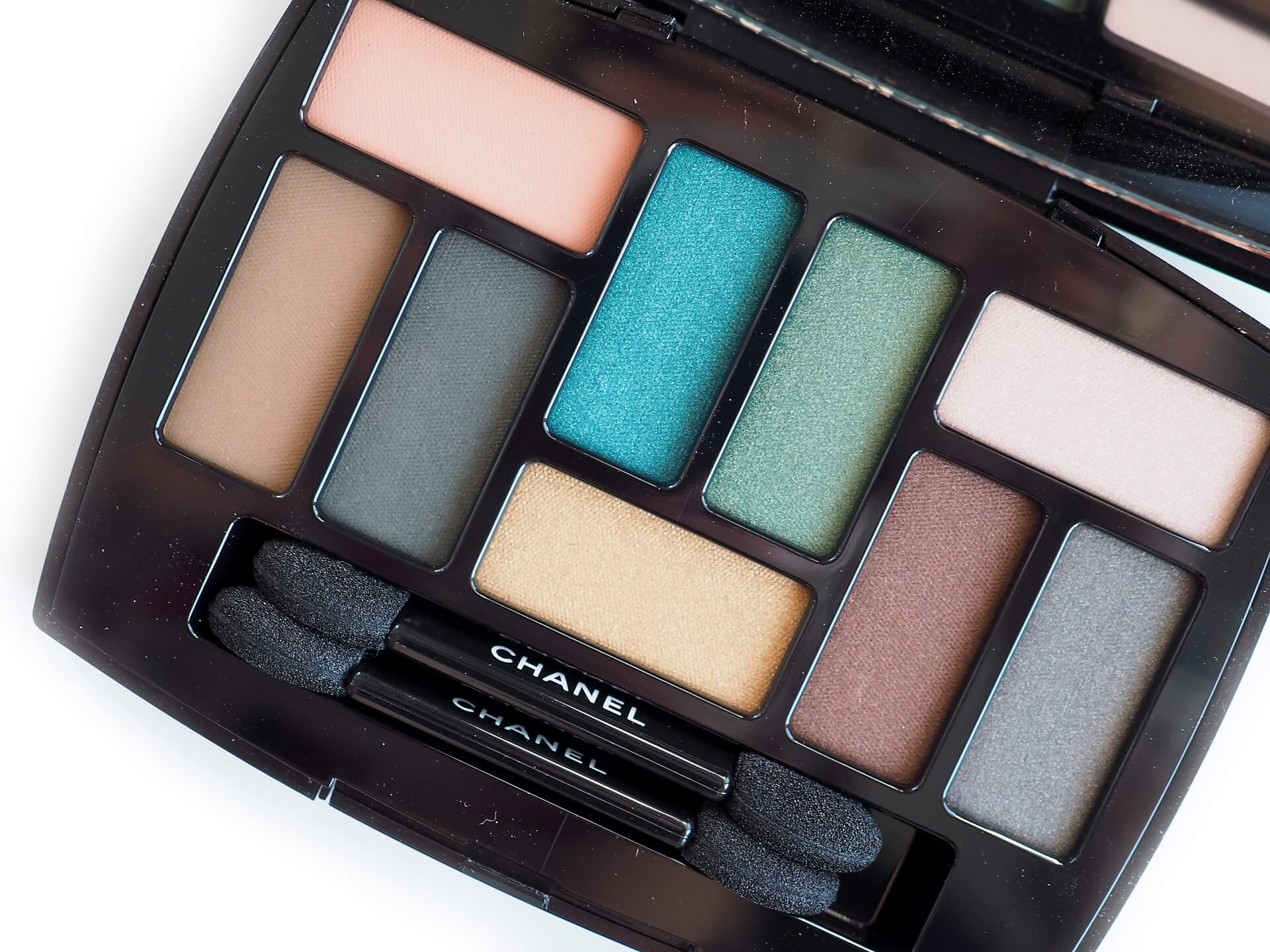 Chanel Neapolis: New City Affresco Les 9 Ombres