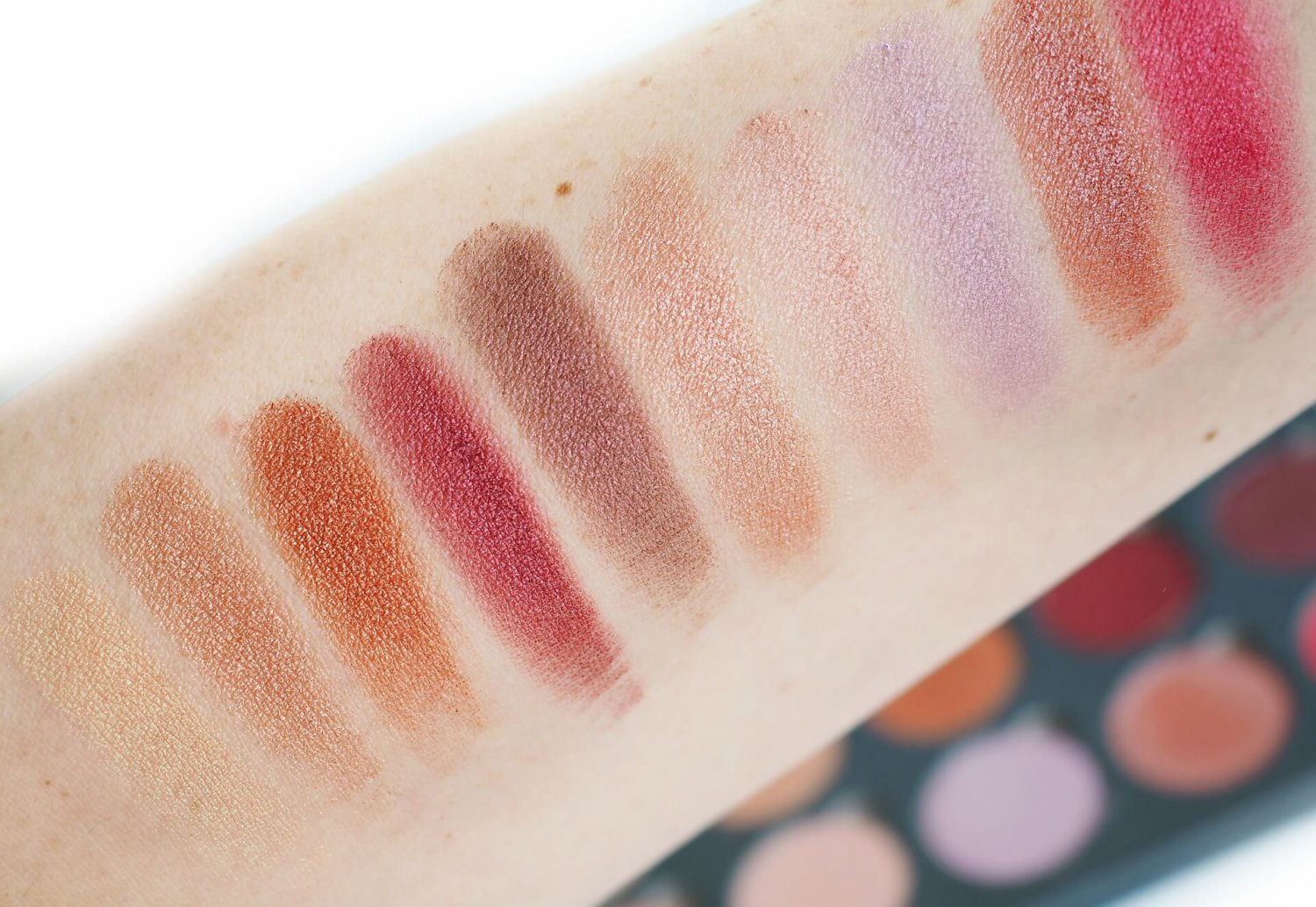swatches Kobo Professional Pearl Illusion