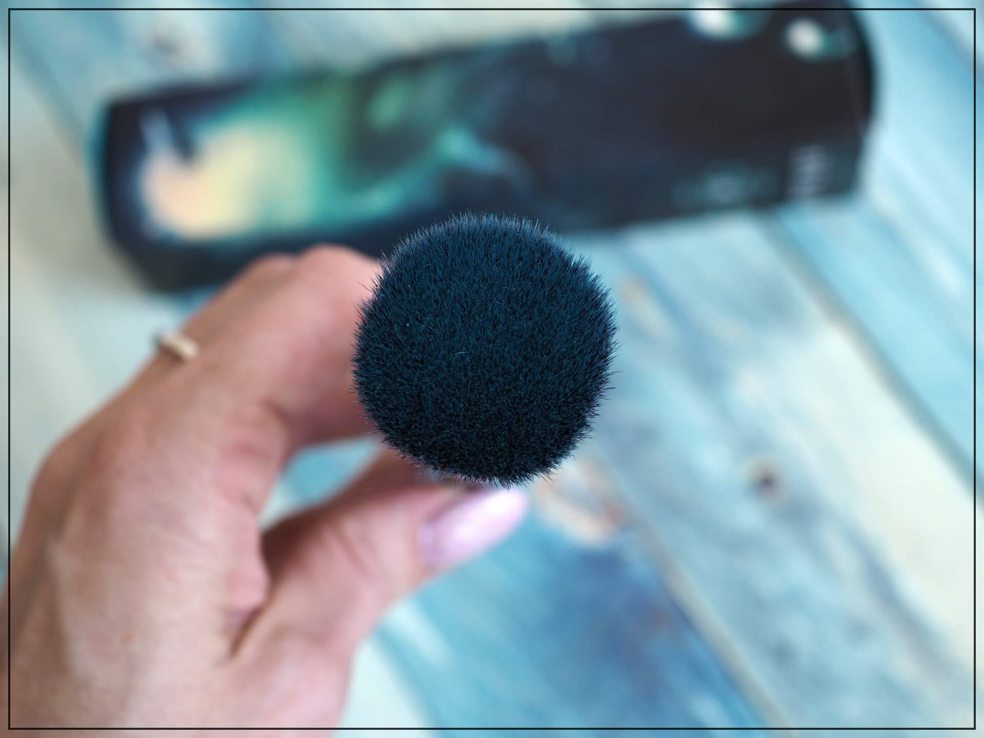 Pixie Cosmetics Flat-Top Buffing Brush