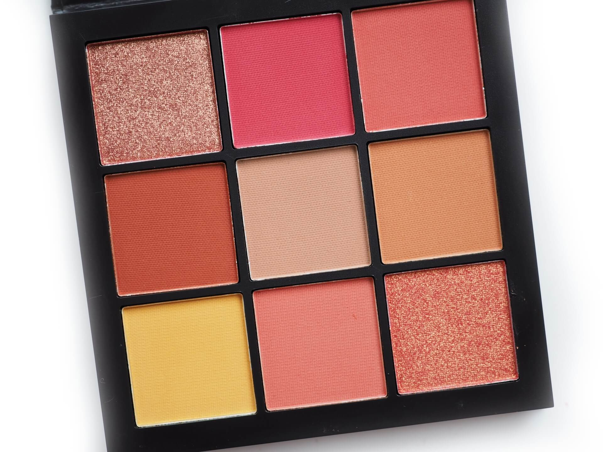 Huda Coral Obsessions Palette