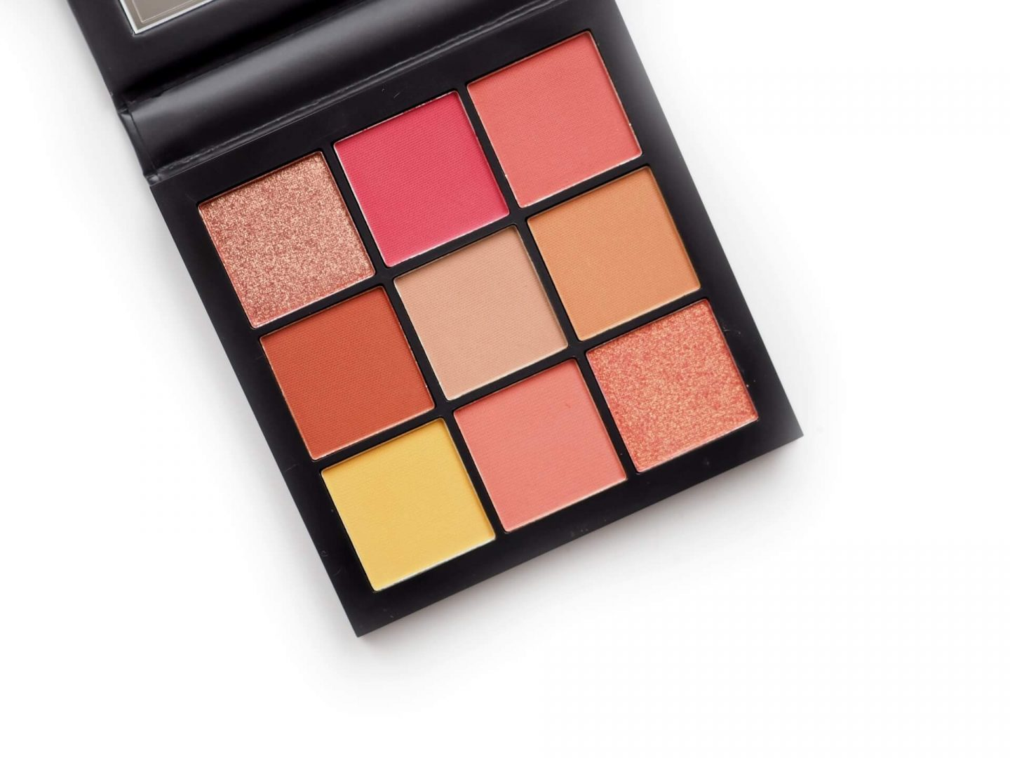 Huda Coral Obsessions PaletteHuda Coral Obsessions Palette