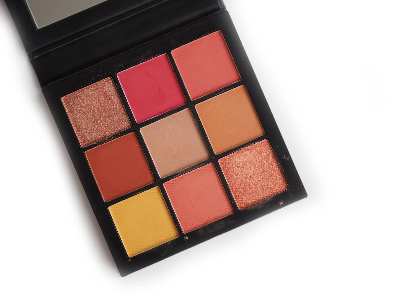 Huda Coral Obsessions Eyeshadow Palette