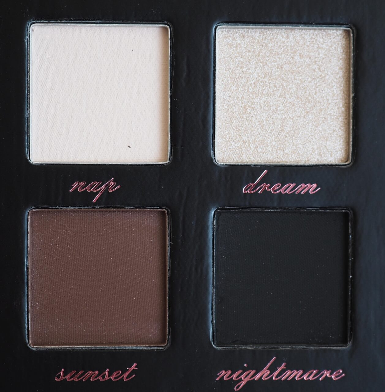 Tune Lazy Eyeshadow Palett
