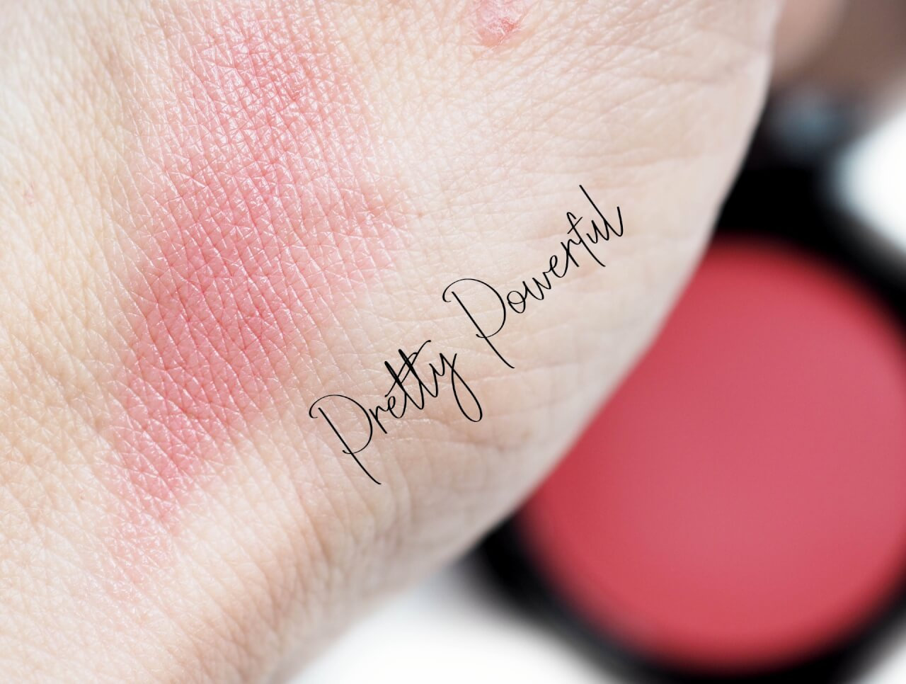 swatch Bobbi Brown Pretty Powerful Pot Rouge for Lips & Cheeks
