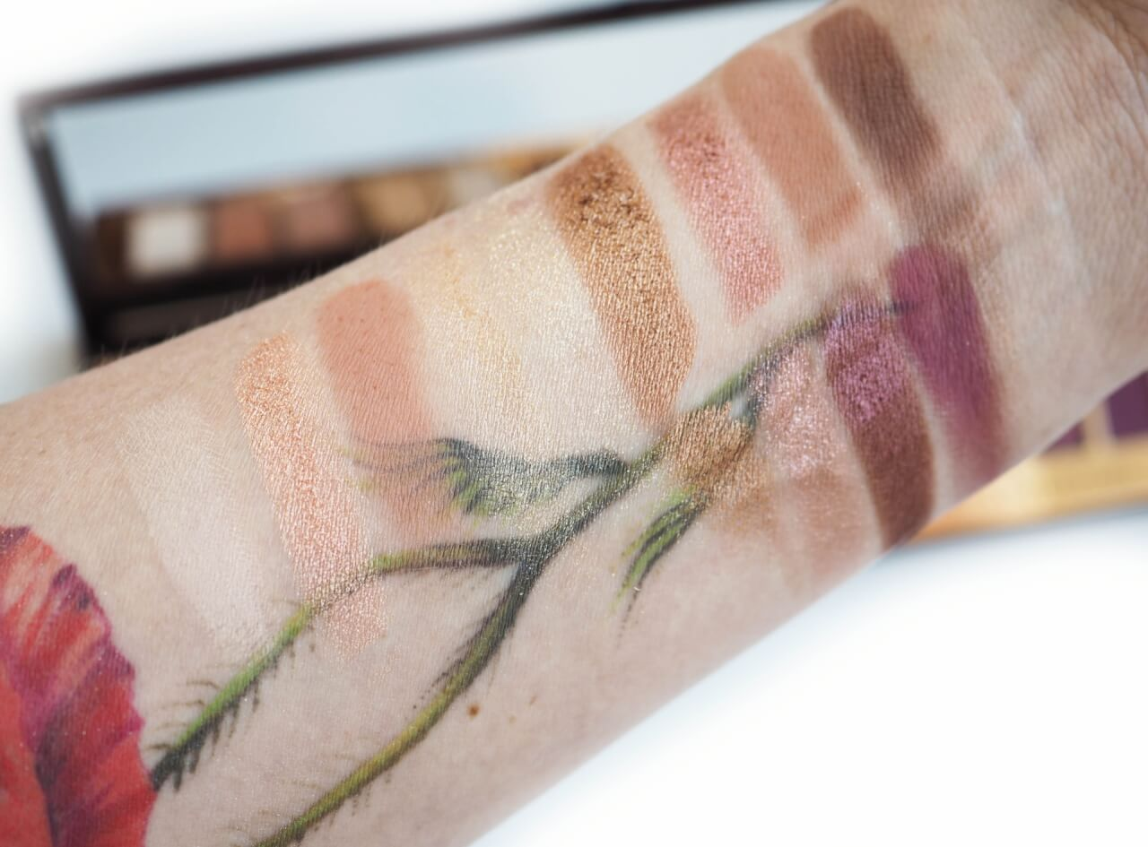swatch Charlotte Tilbury Stars In Your Eyes Instant Eyes Palette