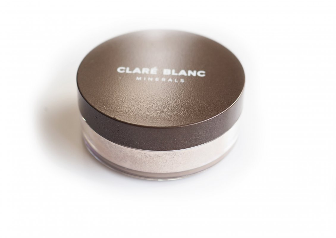 Clare Blanc Body Magic Dust Wet Skin