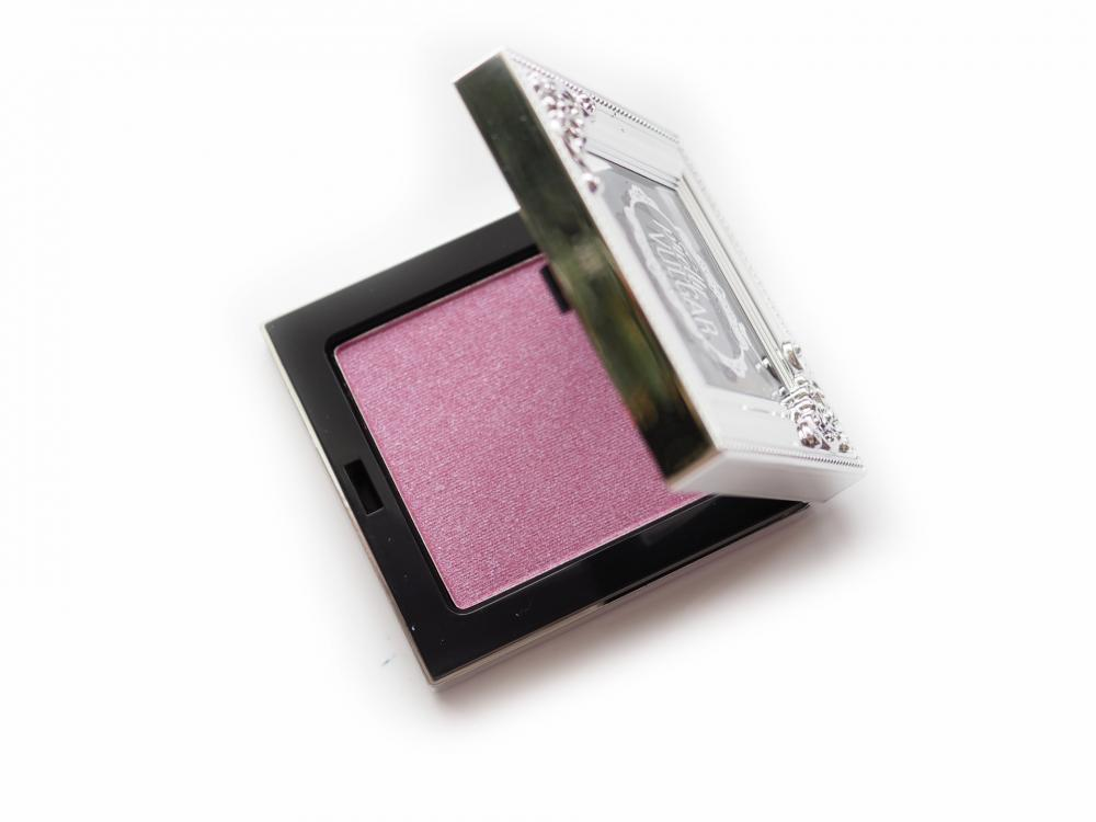 Pretty Vulgar Shimmering Swan Highlighter