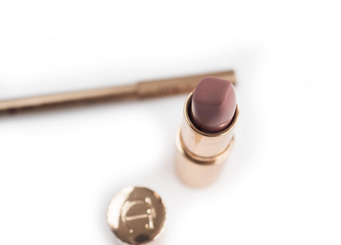 Charlotte Tilbury Pillow Talk Matte Revolution I Lip Cheat