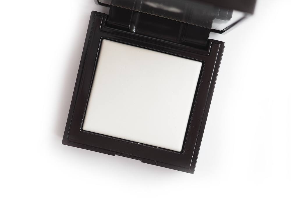 Laura Mercier Secret Blurring Powder For Under Eyes