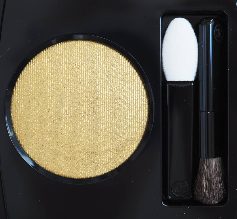 Chanel 34 Swatch Chanel 34 POUDRE D'OR Ombre PremierePOUDRE D'OR Ombre Premiere