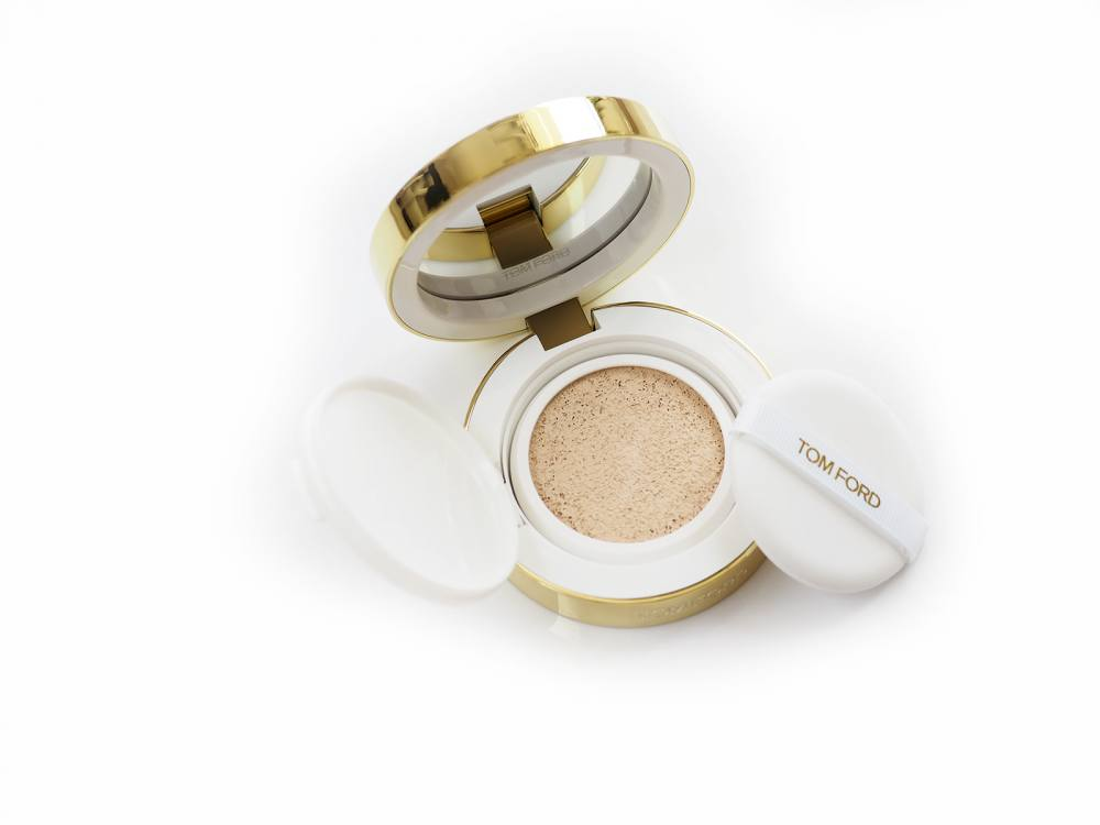 Tom Ford Glow Tone Up Foundation Spf 40 Hydrating Cushion Compact