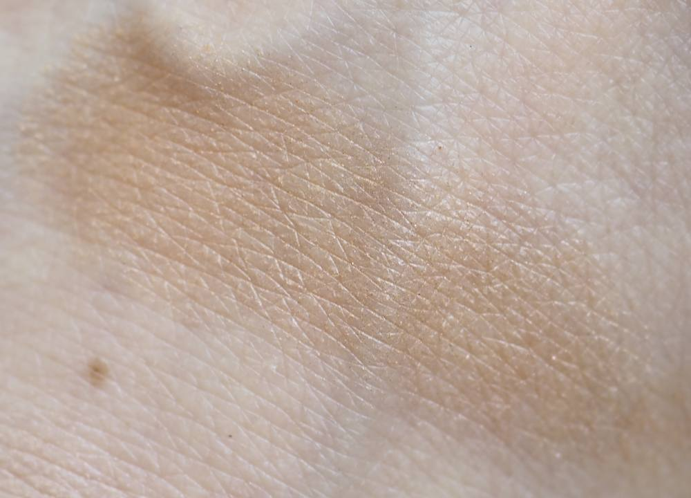 Swatch Armani Bronze Italian Sun Highlighting Fusion Powder