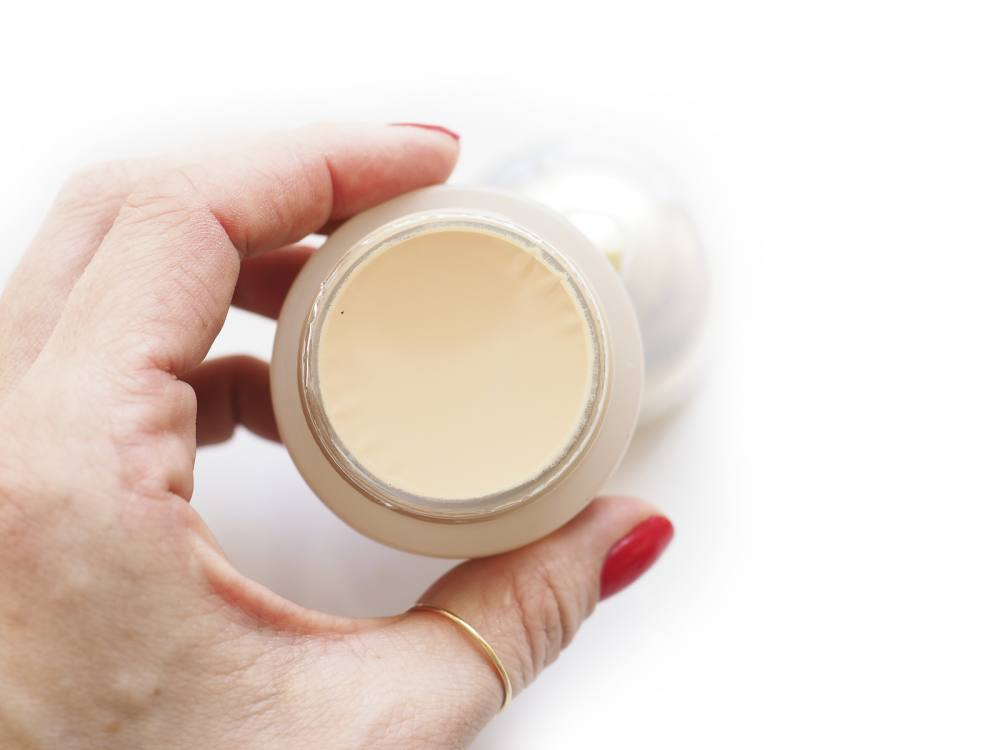 Shiseido Future Solution LX Total Radiance Foundation