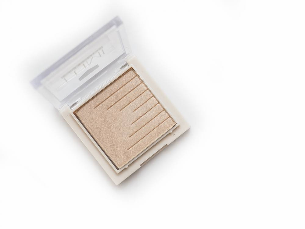 01 Champagne Hean Lumi Highlighter