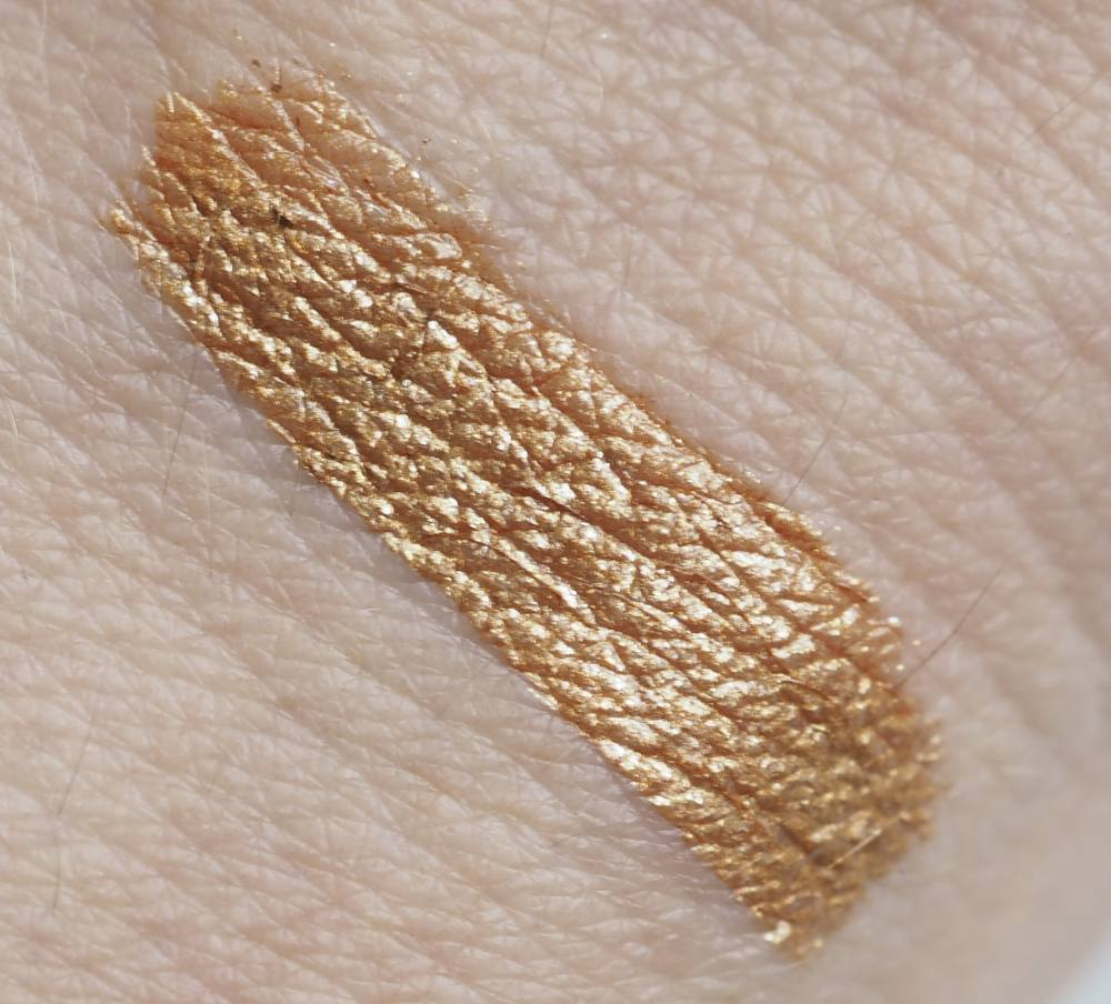 swatch Natasha Denona Aubade Chroma Crystal Liquid Eyeshadow