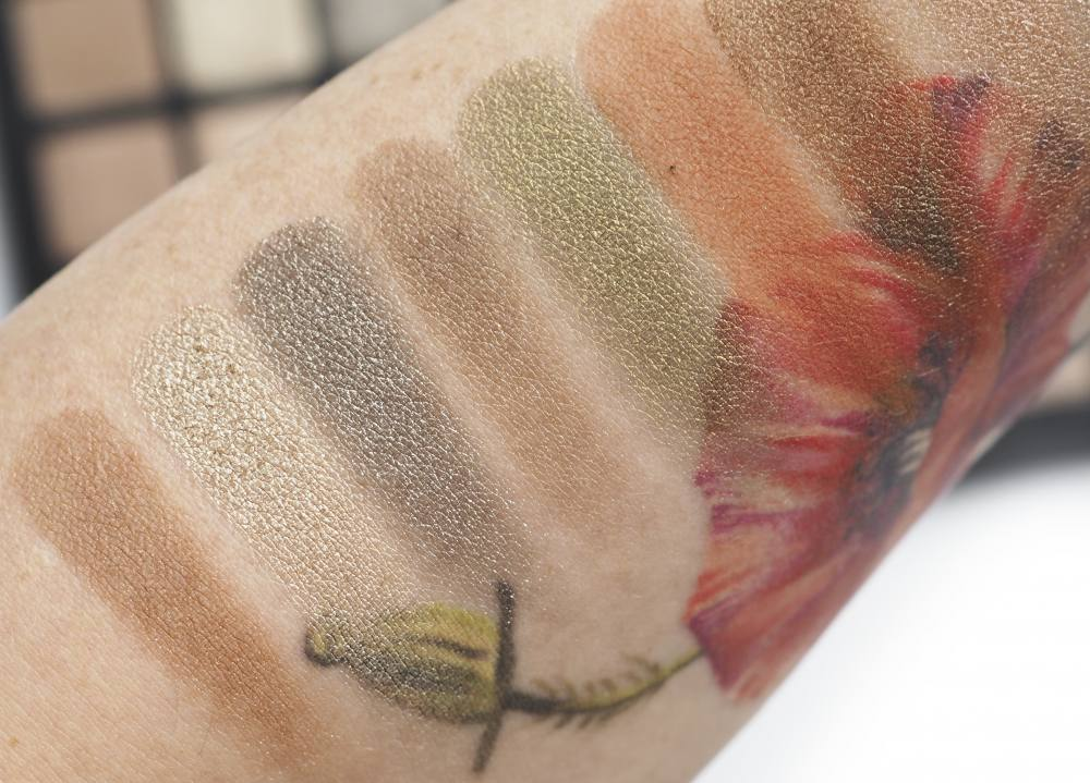 Swatches Natasha Denona 28 Eyeshadow Palette Green Brown