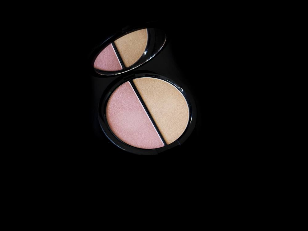 Bobbi Brown Illuminating Powder Duo