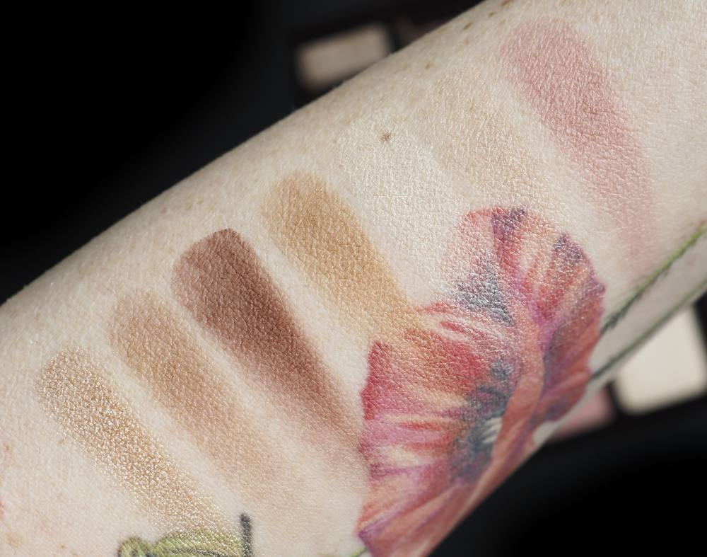 Swatches Charlotte Tilbury Instant Look In A Palette Gorgeous, Glowing Beauty
