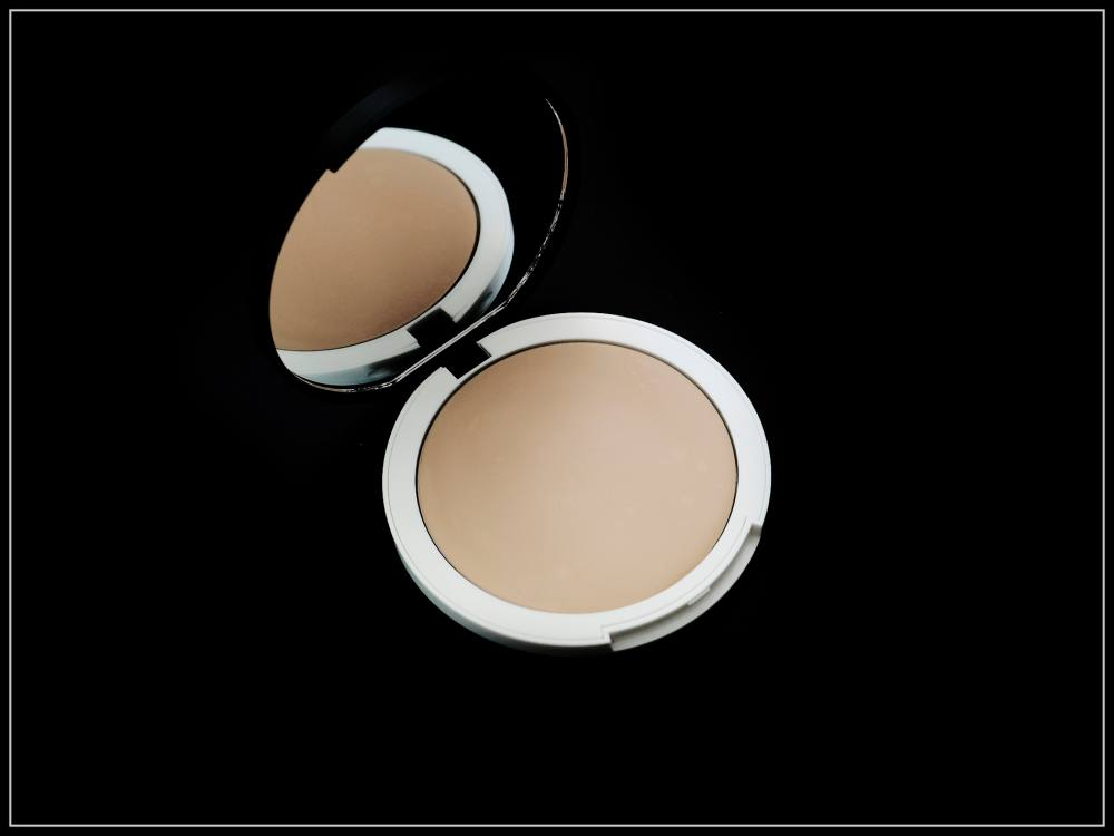 Lily Lolo Cream Foundation