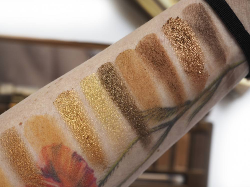 swatches Urban Decay Naked Honey