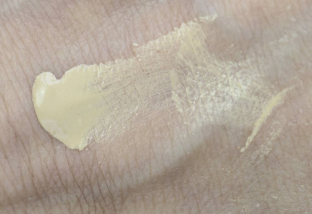 swatch By Terry Cover Expert Full Coverage Liquid Foundation