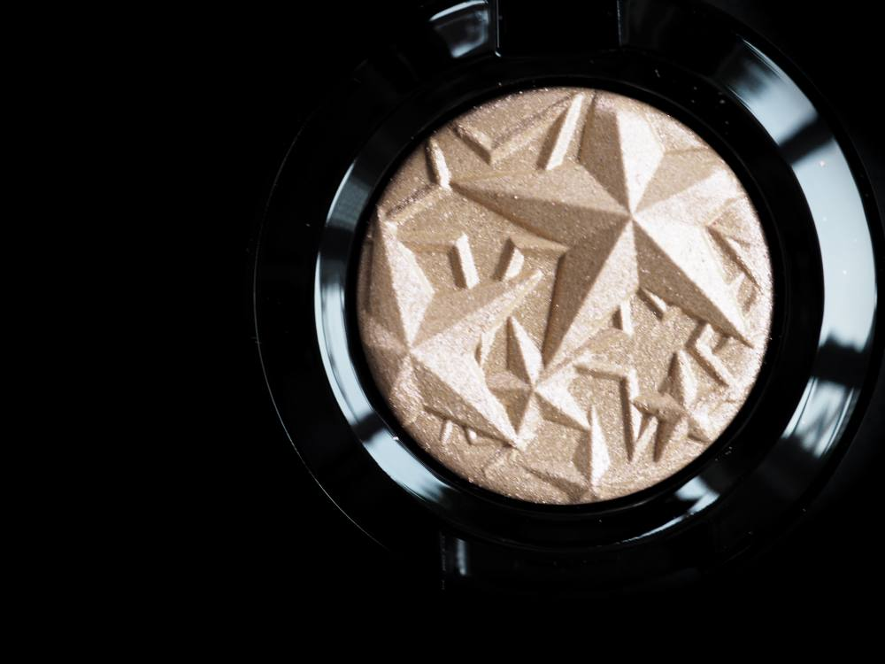 Swatch MAC Extra Dimension Delicate Drift