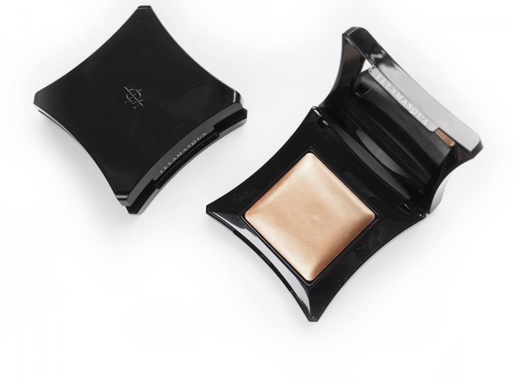 Rozświetlacz Illamasqua Beyond Powder OMG i Epic + Róż Powder Blusher Tremble