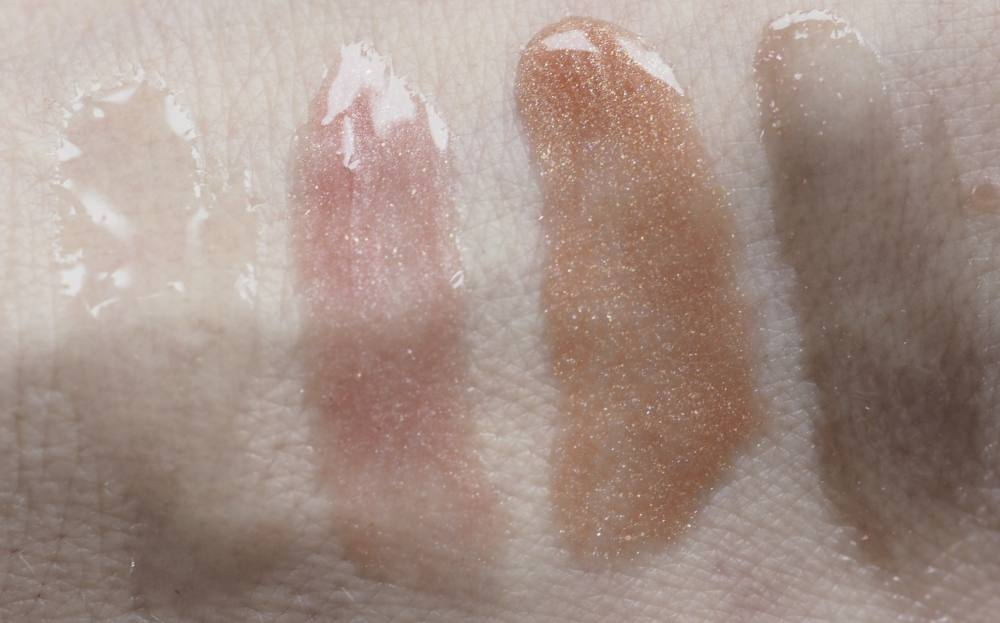 Swatches Fenty Beauty Gloss Bomb