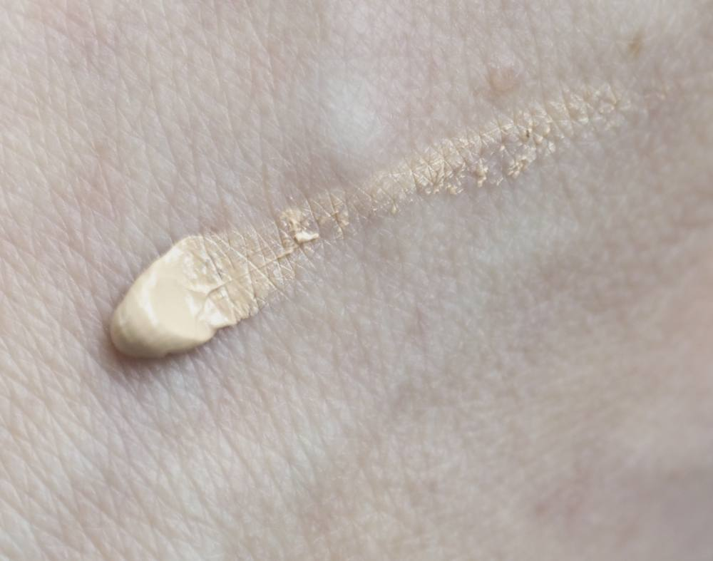swatch Glow Time Full Coverage Mineral BB Cream